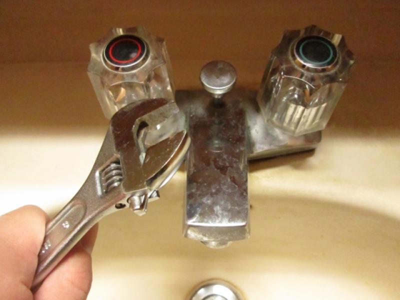 3・古いケレップを取り出し新しいケレップを入れる