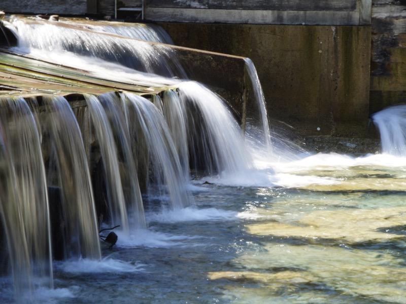 1・大量の水を流す