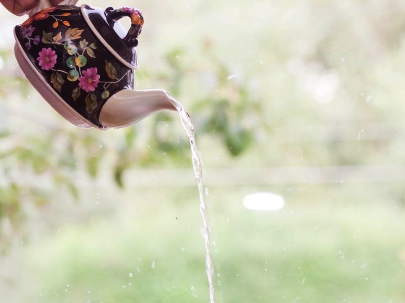 2・大量のお湯を流す