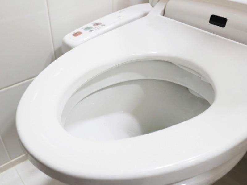 1・トイレに異物を流す