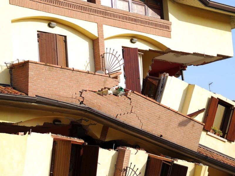 3・地震の揺れによる