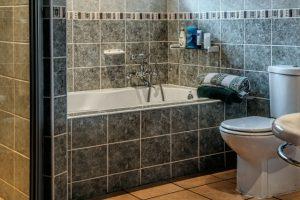 浴槽や浴室の排水溝の困ったトラブルの解決方法